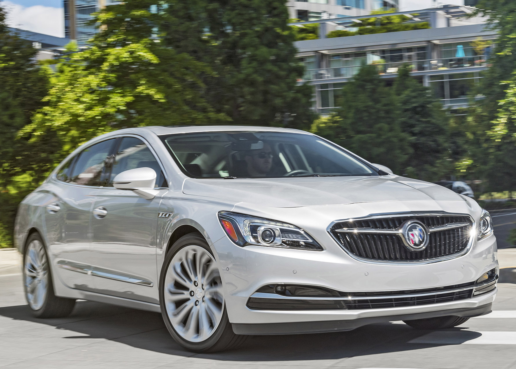 Buick LaCrosse: Full-size luxury sedan returns for 2018; prices start at $29,565