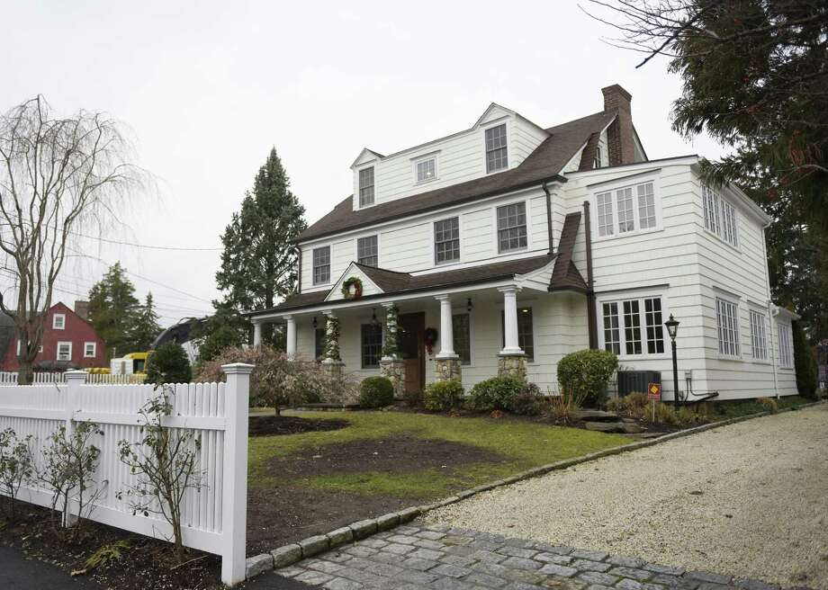 A recently-sold home on Keofferam Road in Old Greenwich, Conn. Tuesday, Dec. 12, 2017. Photo: Tyler Sizemore / Hearst Connecticut Media / Greenwich Time