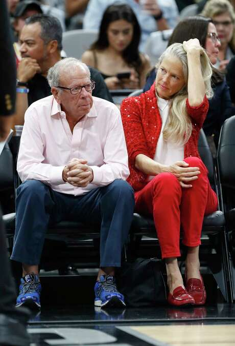 Houston Rockets owner Les Alexander during the first half of Game 2 of the second-round of the Western Conference NBA playoffs at AT&T Center,  Wednesday, May 3, 2017, in San Antonio. ( Karen Warren / Houston Chronicle ) Photo: Karen Warren, Staff Photographer / 2017 Houston Chronicle