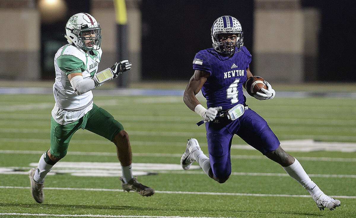 Darwin Barlow School: Newton Year: Senior Notes: Barlow was Southeast Texas' best running back in 2017, compiling over 2,000 total yards and 30 touchdowns in 15 games.