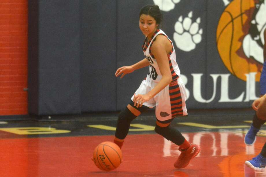 Plainview senior point guard Kristan Rincon had 17 points and seven steals Friday night to lead the Lady Bulldogs to a victory at Hereford and improve their District 3-5A record to 2-0. Photo: Skip Leon/Plainview Herald