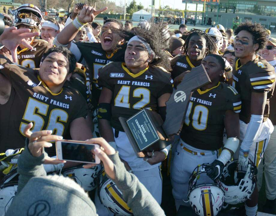 St. Francis boys celebrate title following the CIF State D2-A title game win Sacramento, Calif. on Saturday December 16, 2-17. The final score was St. Francis 22, Grace Brethren 13. Photos by Eric Taylor/1st String Photo: Eric Taylor / 1st String Magazine