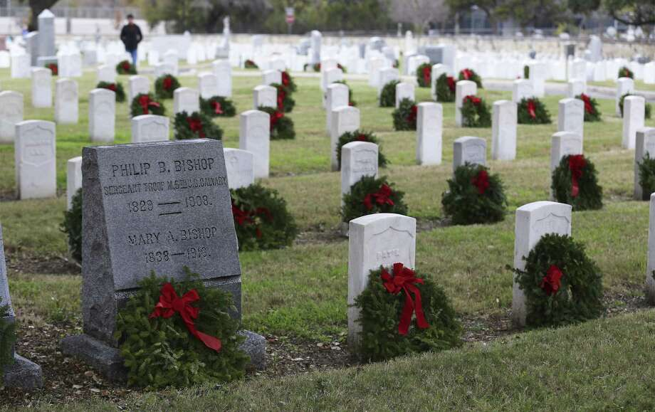 San Antonio National Cemetery is believed to be the oldest national cemetery in the state. More than 3,000 veterans are buried there. Photo: Kin Man Hui /San Antonio Express-News / ©2017 San Antonio Express-News