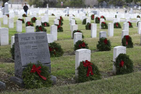 San Antonio National Cemetery is believed to be the oldest national cemetery in the state. More than 3,000 veterans are buried there.