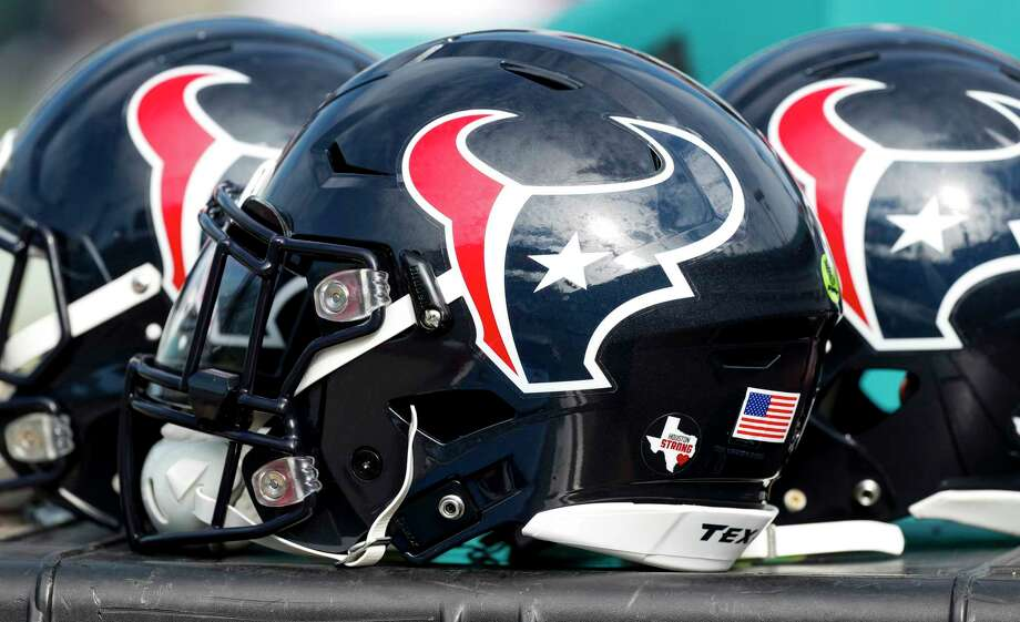 A trio of Houston Texans helmets sit on the sideoines before an NFL football game against the Jacksonville Jaguars at EverBank Field on Sunday, Dec. 17, 2017, in Jacksonville. Photo: Brett Coomer, Houston Chronicle / © 2017 Houston Chronicle