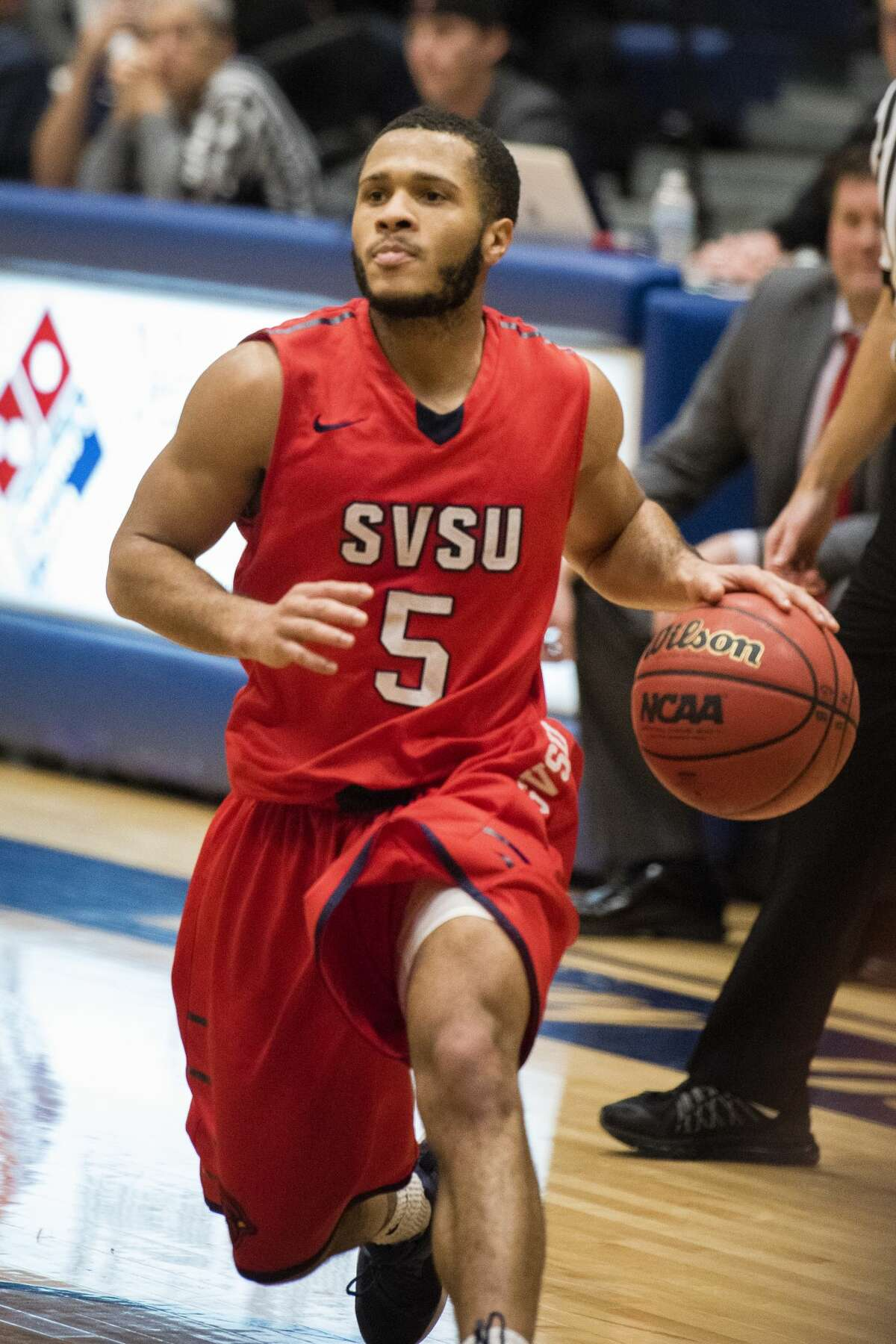SVSU's Mike Wells Jr. dribbles the ball as Northwood University hosted Saginaw Valley State University on Saturday, Dec. 16, 2017. SVSU beat Northwood 64-53. (Danielle McGrew Tenbusch/for the Daily News)