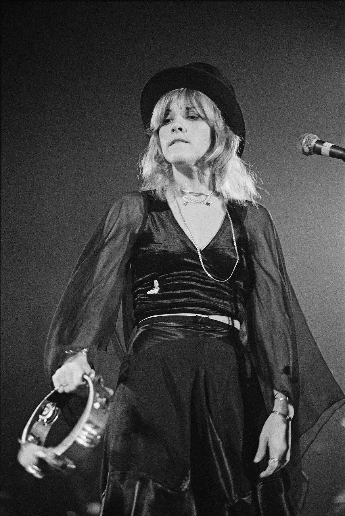 Singer Stevie Nicks of British-American rock band Fleetwood Mac performs live on stage at Yale Coliseum in New Haven, Connecticut, USA, on November 20, 1975.