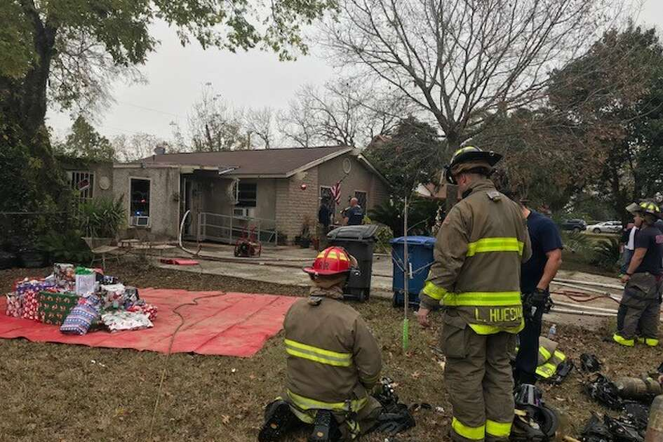 San Antonio firefighter rescued Christmas and save the home for one East Side family Sunday evening, Dec. 16, 2017.