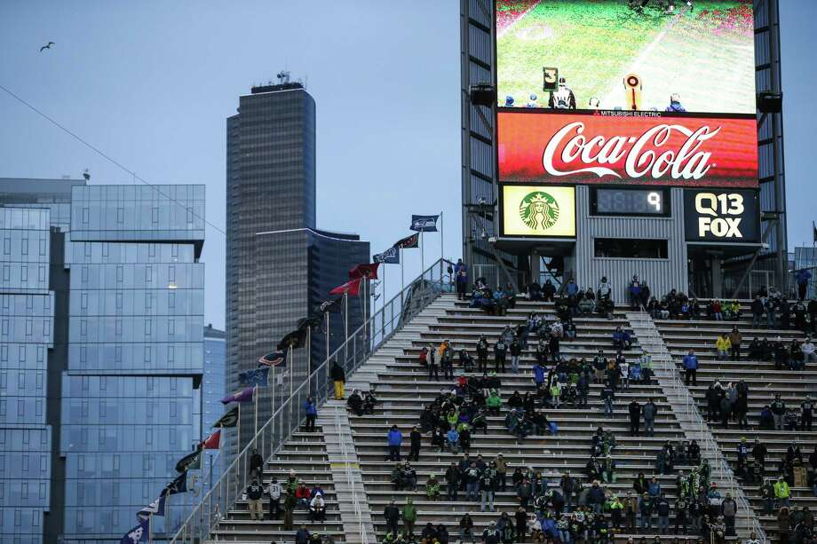The Hawk's Nest sits majorly empty with 5 minutes left in the 4th quarter of the Seahawks' game against the Rams at CenturyLink Field on Sunday, Dec. 17, 2017. Photo: GRANT HINDSLEY, SEATTLEPI.COM / SEATTLEPI.COM
