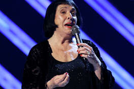 FILE - In this Feb. 10, 2008 file photo, Keely Smith presents an award at the 50th Annual Grammy Awards in Los Angeles. Smith, a pop and jazz singer known for her solo recordings of jazz standards as well as her musical partnership with Louis Prima, died Saturday, Dec. 16, 2017, of apparent heart failure in Palm Springs at the age of 89. (AP Photo/Kevork Djansezian, File) ORG XMIT: NYCL705
