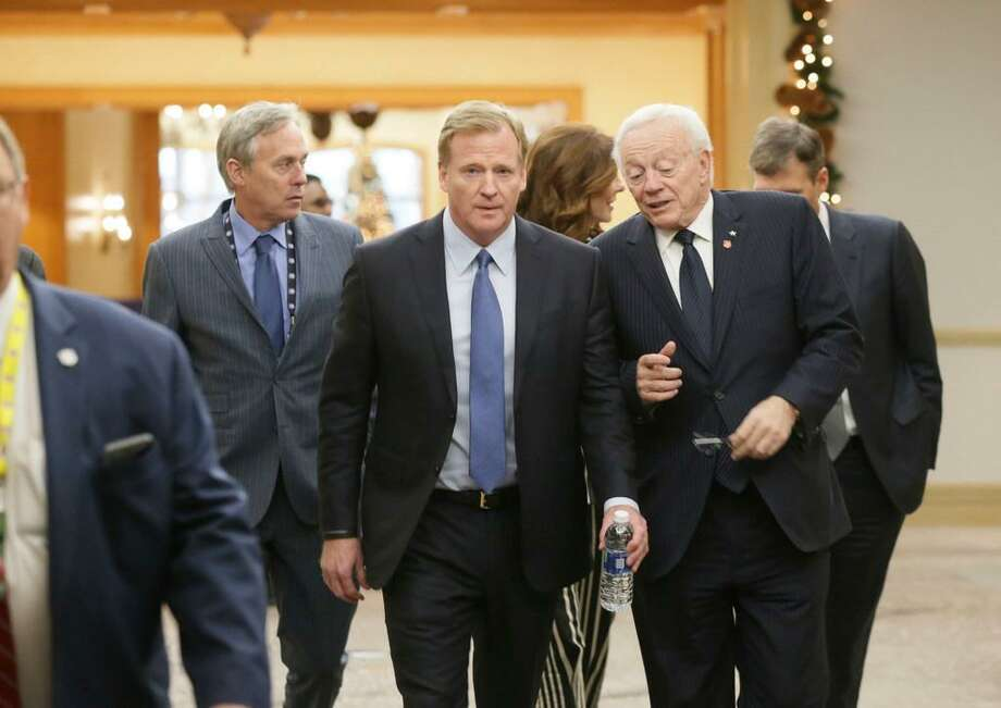 NFL Commissioner Roger Goodell, left, chats with Dallas Cowboys owner Jerry Jones during the NFL owners winter meeting in Irving, Texas, Wednesday, Dec. 13, 2017. Photo: LM Otero /AP Photo