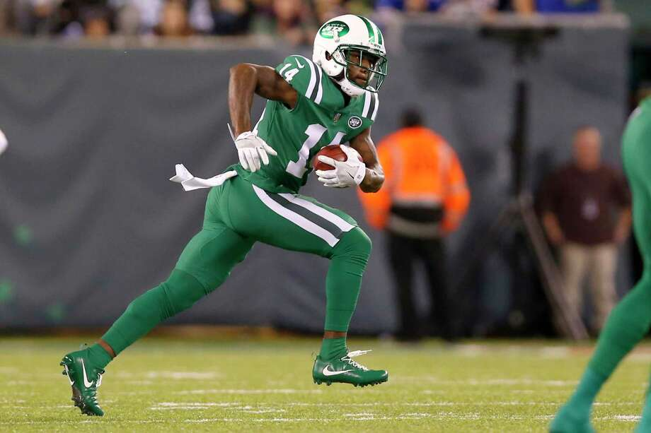 FILE - This Nov. 2, 2017 file photo shows New York Jets' Jeremy Kerley (14) running with the ball against the Buffalo Bills during the first half of an NFL football game in East Rutherford, N.J. The Jets have waived Kerley, who had been on a one-week roster exemption following a four-game suspension for violating the NFL's policy on performance enhancers. The Jets had until 4 p.m. EST on Monday, Dec. 18, 2017 to either cut Kerley or make a roster move to clear a spot for the wide receiver. (AP Photo/Kathy Willens) Photo: Kathy Willens, Associated Press / Copyright 2017 The Associated Press. All rights reserved.