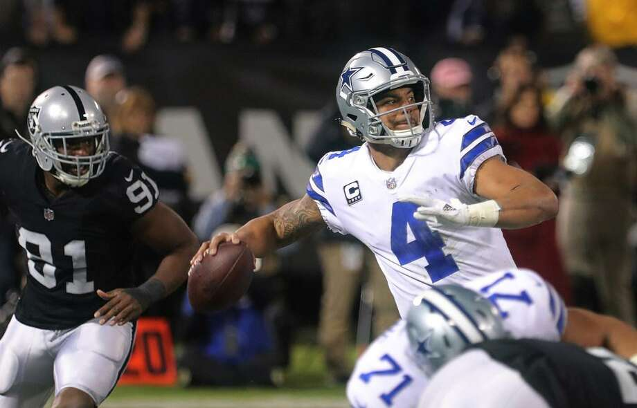 Dallas Cowboys quarterback Dak Prescott (4) passes in the third quarter against the Oakland Raiders on Sunday, Dec. 17, 2017 at Oakland-Alameda County Coliseum in Oakland, Calif. Photo: Rodger Mallison /Fort Worth Star-Telegram