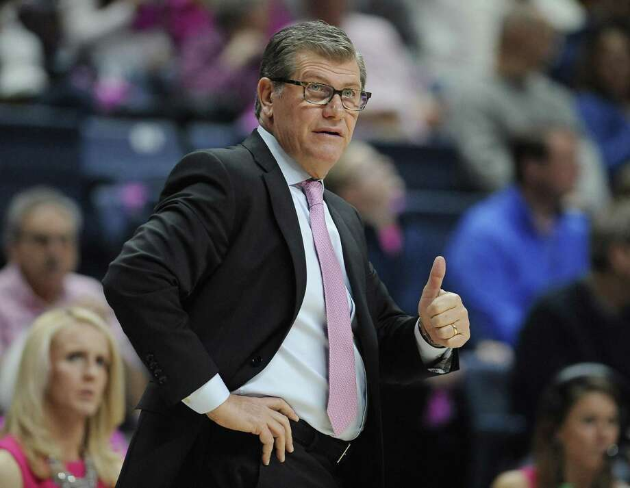 UConn coach Geno Auriemma can pick up his 1,000th career win with a victory over Oklahoma on Tuesday. Photo: Associated Press File Photo / AP2017