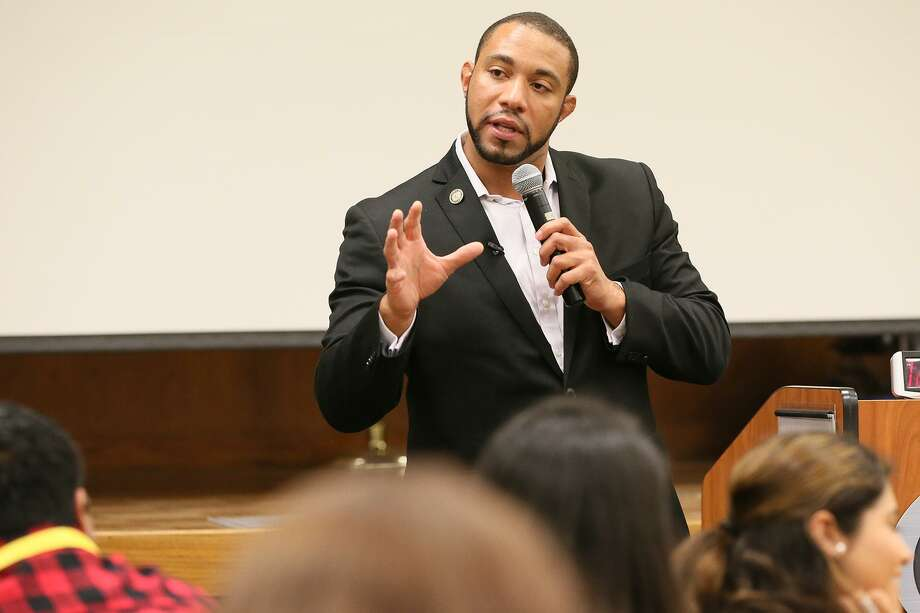 Commissioner Tommy Calvert, seen in 2017, is spearheading an effort to create more affordable housing through county-backed measures. Photo: Marvin Pfeiffer /San Antonio Express-News / Express-News 2017