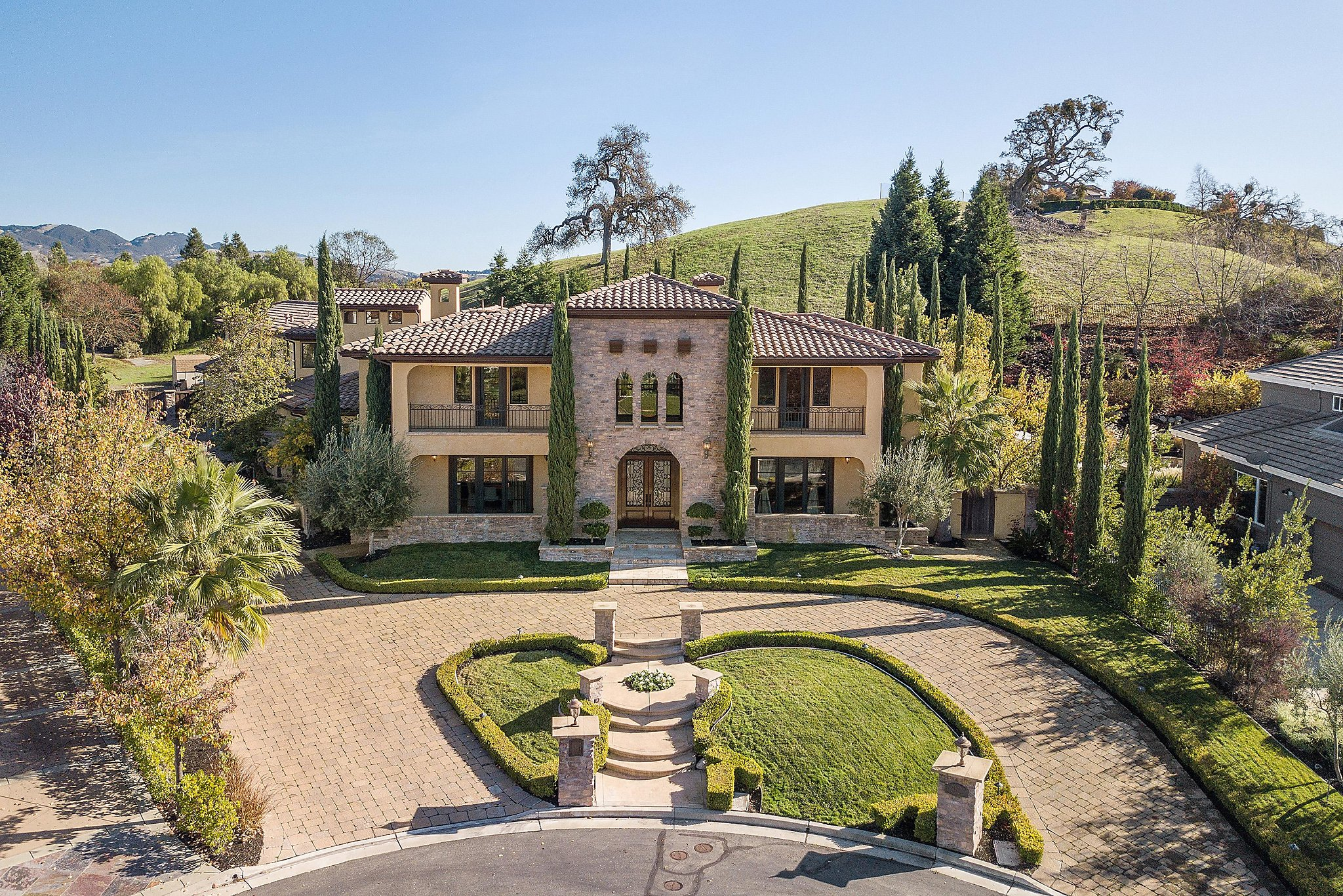 Tuscan style radiates throughout expansive Alamo home SFGate