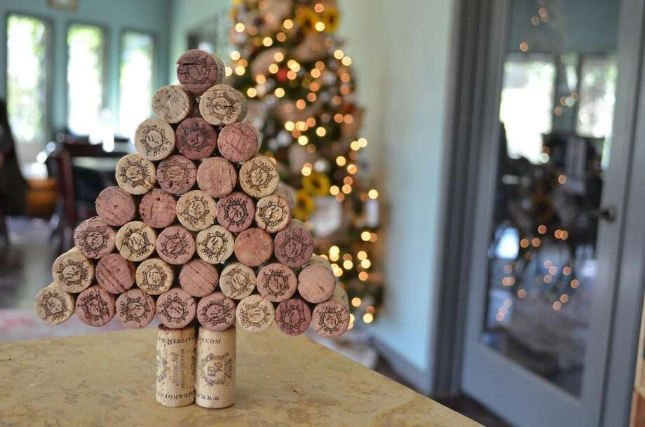Build your own Cork Christmas Tree using your hot glue gun and corks from your wine bottles to celebrate the Christmas season.