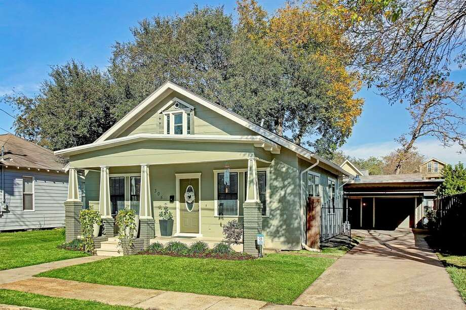 305 TeetshornList price: $515,000Size: 960 square feet Photo: Houston Association Of Realtors