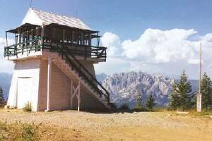 '8 gorgeous fire lookouts you can rent in Northern California - Photo' from the web at 'http://ww1.hdnux.com/photos/70/13/40/14727208/3/landscape_32.jpg'