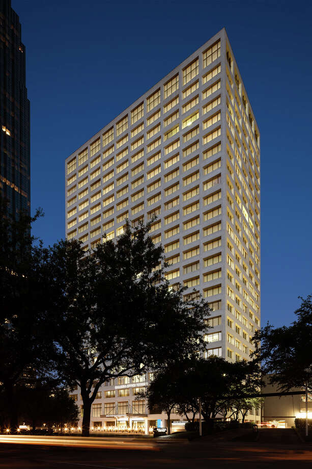 Galleria Office Tower I, a 493,456-square-foot office building at 2700 Post Oak Blvd. in the Galleria, is 85 percent leased. The recently renovated building is owned by Azrieli Group and Unilev Capital Corp. and managed by Unilev Management Corp. Photo: Colvill Office Properties / © 2016 ZVONKOVIC PHOTOGRAPHY