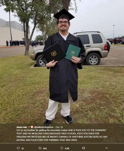 Border Grad S Surprise To Parents Goes Viral In Touching Video Laredo Morning Times