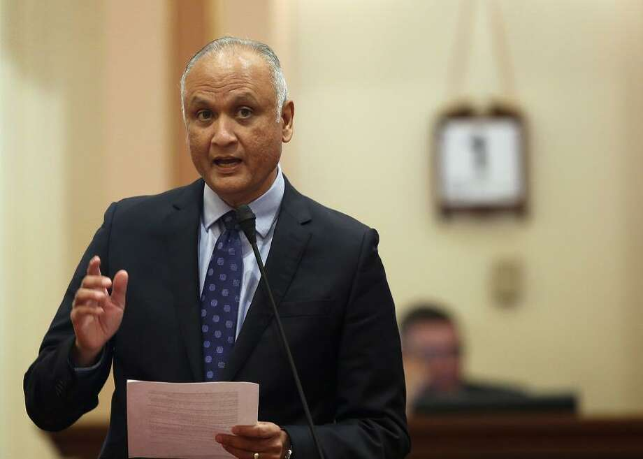 "State Sen. Ed Hernandez says: ""All options are on the table if federal enforcement of the individual mandate ends."" Photo: Rich Pedroncelli / Rich Pedroncelli / Associated Press 2016 / Copyright 2016 The Associated Press. All rights reserved. This material may not be published, broadcast, rewritten or redistribu"