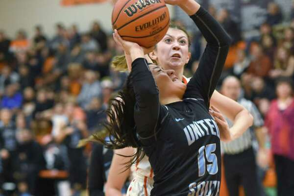 United South hosts United at 7:30 p.m. Tuesday with an opportunity to pull into a tie for first place.