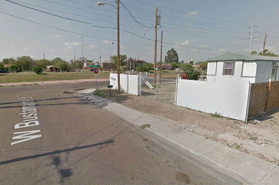 Laredo Fire Department crews responded to reports of a structure fire in the 400 block of West Bustamante Street. Photo: Google Maps/Street View
