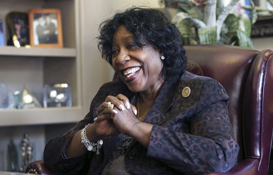 Ruth Jones McClendon talks in her office at the State Capitol in 2013. She died on Tuesday. Photo: TOM REEL /San Antonio Express-News / San Antonio Express-News