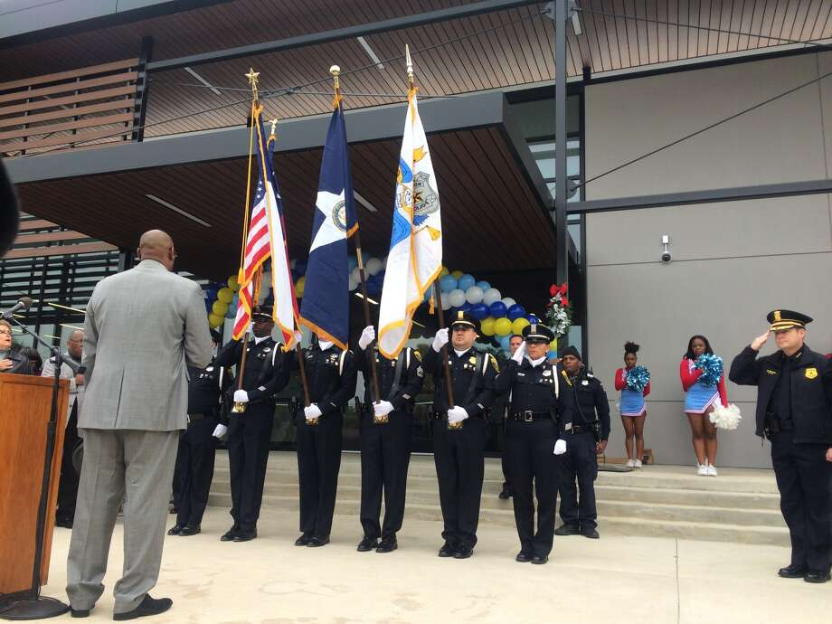 Dozens gathered last week to celebrate the unveiling of HPD's new police substation in southwest Houston. Residents praised the opening of the site and the upgrading at Cambridge Village Park. (St. John Barned-Smith / Houston Chronicle(