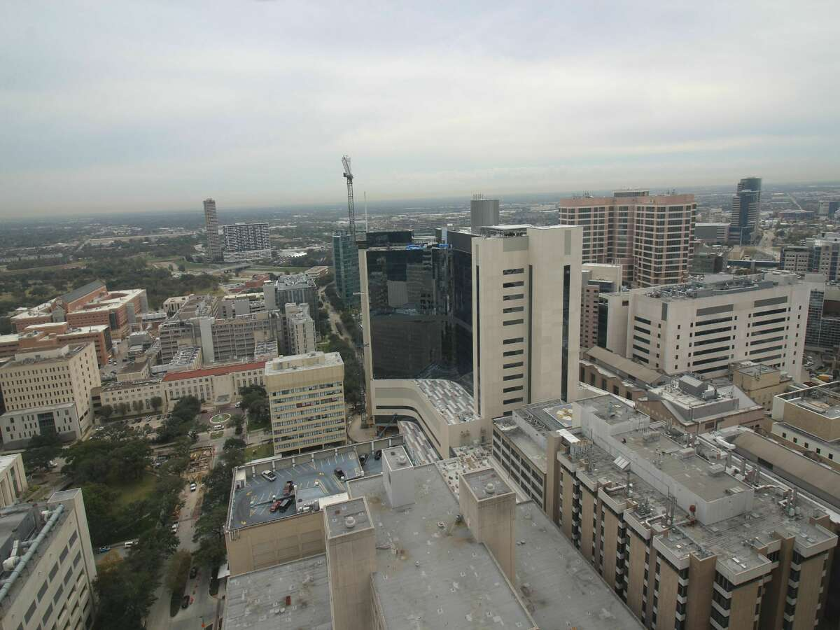 Houston Methodist Hospital North Tower Expansion Height: 395 ft. Status: Completed Tallest building rank: 60 (approximately) Used for: Hospital