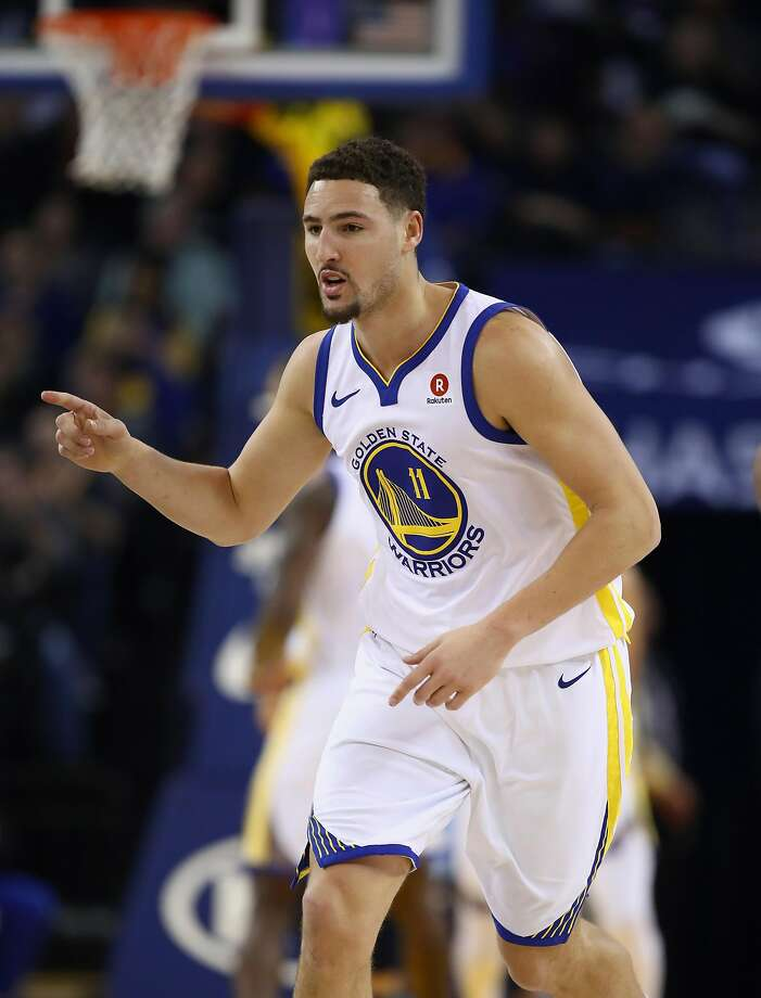 Warriors shooting guard Klay Thompson scored 27 of his 29 points in the first half against the Grizzlies. Photo: Ezra Shaw, Getty Images