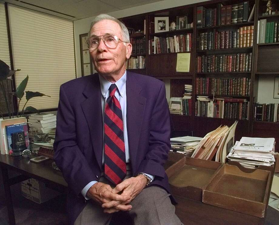 Famed defense attorney Richard 'Racehorse' Haynes, former lawyer for John Hill, talks about the 'Blood and Money' trial during an interview at his Houston office March 10, 1999. Haynes, 90, passed away April 28, 2017. Photo: DAVID J. PHILLIP/AP