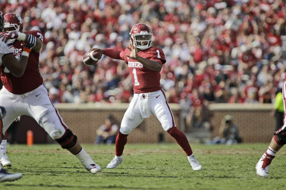 NORMAN, OK - SEPTEMBER 02: Quarterback Kyler Murray #1 of the Oklahoma Sooners looks to throw against the UTEP Miners at Gaylord Family Oklahoma Memorial Stadium on September 2, 2017 in Norman, Oklahoma. Oklahoma defeated UTEP 56-7. (Photo by Brett Deering/Getty Images)