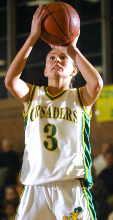Trinity Catholic's Amanda Pape will be inducted into the Connecticut Women's Basketball Hall of Fame Wednesday. Photo: File Photo, ST / Stamford Advocate File Photo