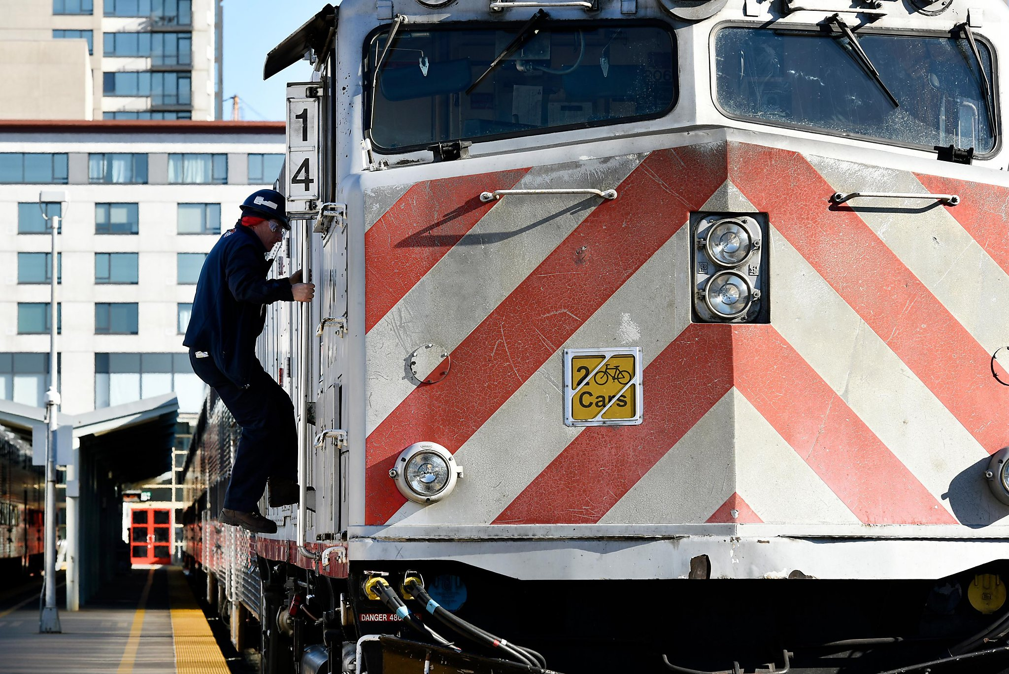extend caltrain to downtown san francisco