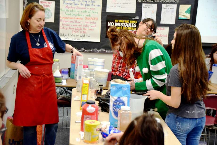 Ash High School English teacher Sara Hanoch teaches students how to make a whole host of common household items Wednesday. Photo: Jan Seago/Plainview ISD
