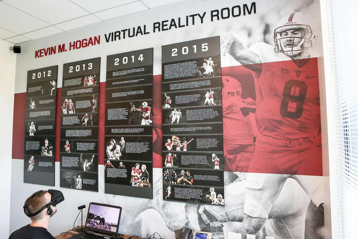 Ryan O'Rorke demonstrates a VR session in Stanford football's Virtual Reality Room in Palo Alto, Calif. on Tuesday, August 15, 2017.