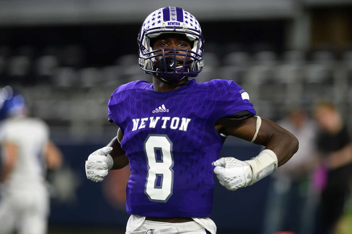 Tamauzia Brown School: Newton Position: CB/WR Offers: Baylor, Alabama, Oklahoma State, TCU, Texas Tech, Missouri, Texas A&M, Arkansas, Oregon, Nebraska, Minnesota, Houston, UTSA, SMU, Southern Miss, Louisiana Tech, Louisiana-Lafayette, Arkansas State, New Mexico State, Lamar, McNeese State, Jacksonville Commit: TCU