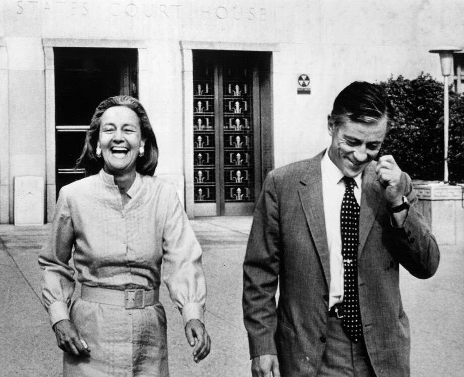 Katharine Graham and Ben Bradlee leave U.S. District Court in Washington on June 21, 1971, after a judge ruled the Washington Post could publish more of the Pentagon Papers. Photo: B/W AP  WIRE PHOTO, 1971