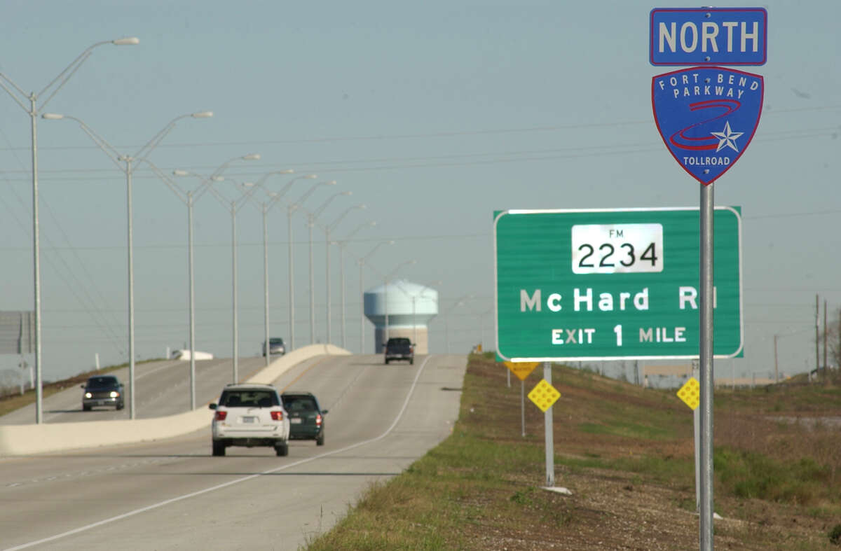 The Fort Bend Parkway Click through the gallery to see planned and current road projects in the area.