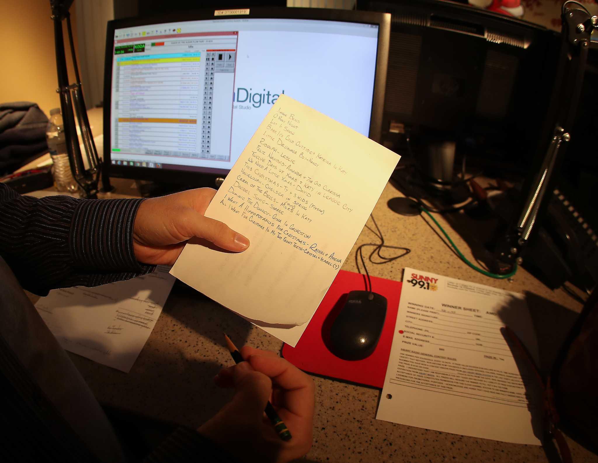 xm radio christmas stations 2020