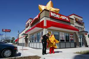 Four Carl's Jr. locations are closing in San Antonio.