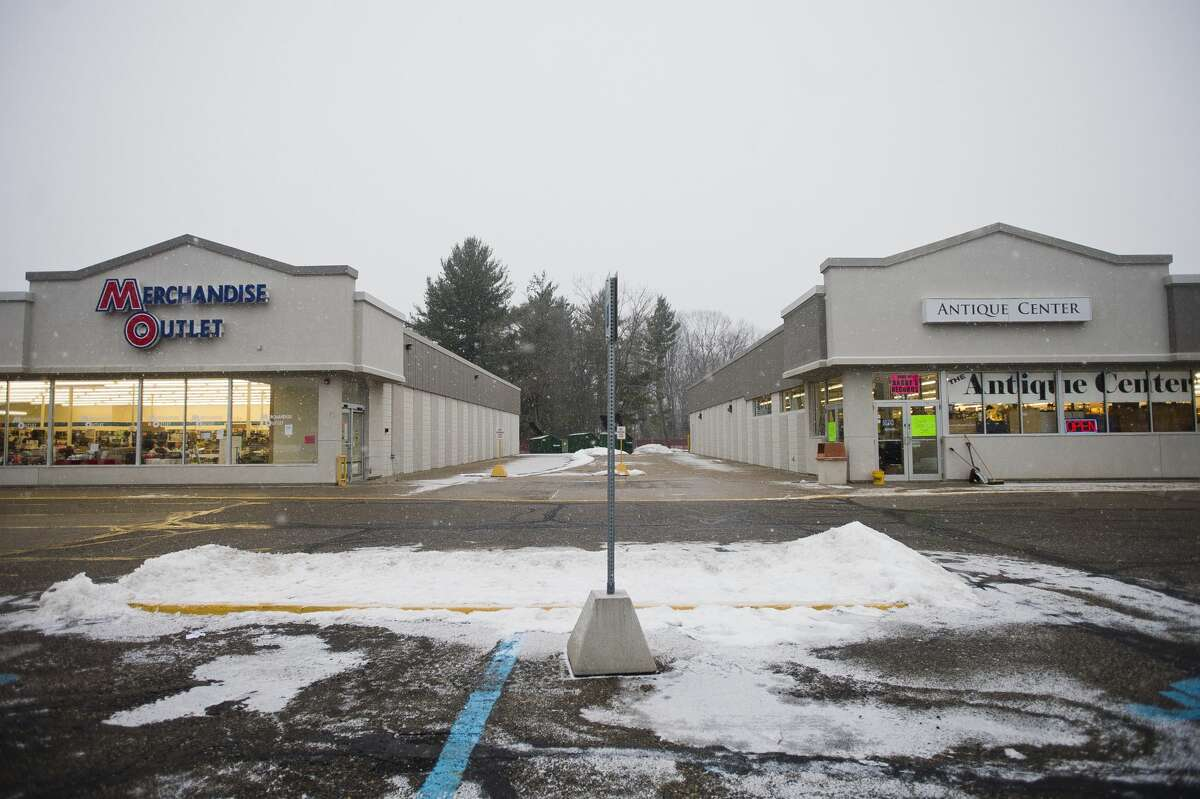 The Merchandise Outlet and Antique Center are located at a commercial plaza on the south side of M-20 east of Vance Road. (Katy Kildee/kkildee@mdn.net)