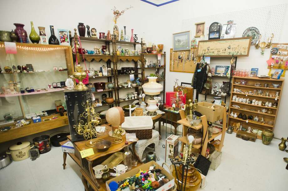 Antiques are on display at the Antique Center, located on the south side of M-20 east of Vance Road. (Katy Kildee/kkildee@mdn.net) Photo: (Katy Kildee/kkildee@mdn.net)