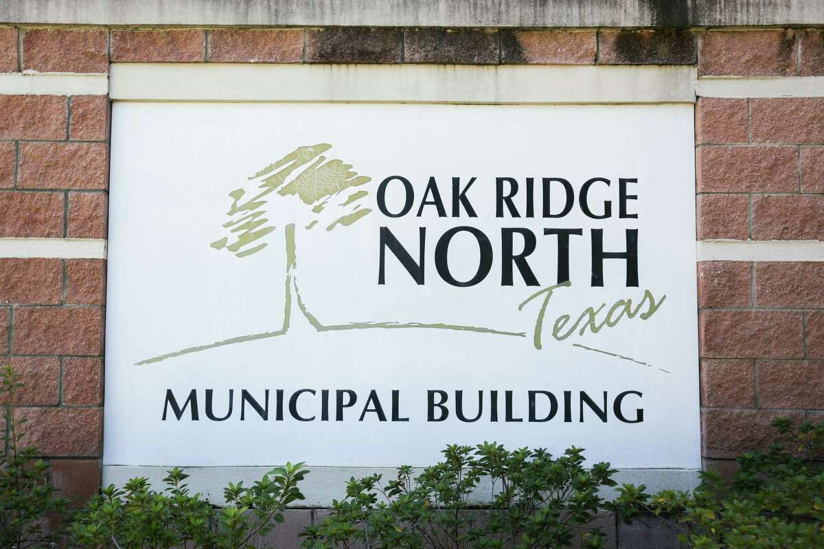 The Oak Ridge North Municipal Building is pictured on Monday, Oct. 23, 2017.