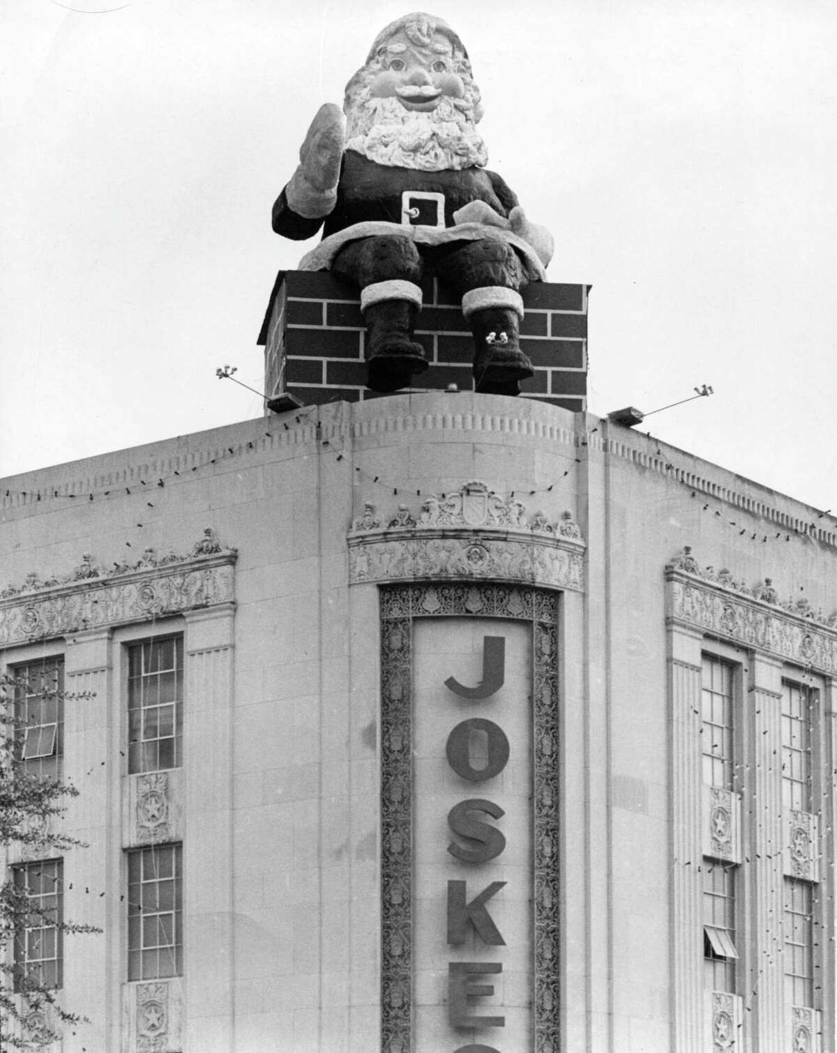 Santa sits on top of the downtown Joske's store in this Dec. 20, 1956, Express-News file photo.