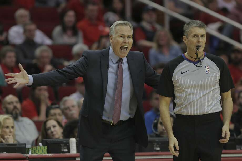 PHOTOS: A look at NBA coaches, players arguing with referee Scott Foster Houston Rockets head coach Mike D'Antoni reacts to a call to referee Scott Foster during game action against the LA Clippers at the Toyota Center on Friday, Dec. 22, 2017, in Houston. Clippers won the game 128-118. ( Elizabeth Conley / Houston Chronicle ) Browse through the photos above for shots of NBA players and coaches yelling at referee Scott Foster ... Photo: Elizabeth Conley/Houston Chronicle