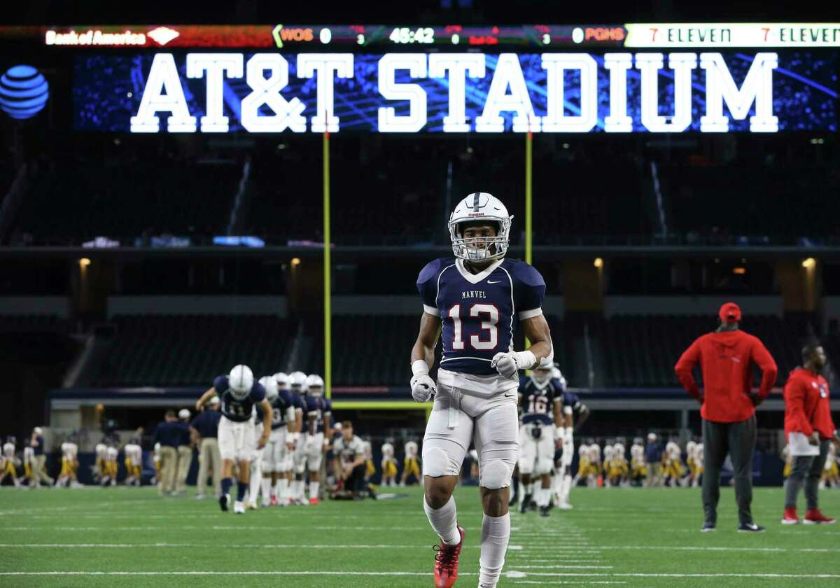 Manvel's Kameron Pedescleaux warns up before the Class 5A Division I State Championship Game against Highland Park at AT&T Stadium on Friday, Dec. 22, 2017, in Arlington.