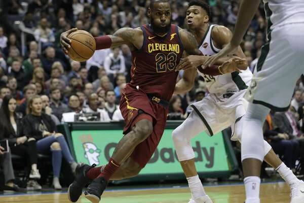 de0c2c04bdf Ageless LeBron James a Christmas gift to the NBA - SFChronicle.com